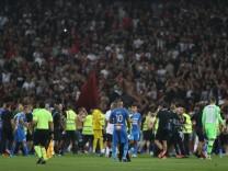 Spiel Nizza-Marseille nach Tumulten unterbrochen
