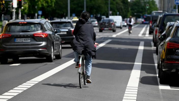 Verkehr in der Stadt: Popup-Radwege wie in der Gabelsbergerstraße sollen Abhilfe gegen gefährliche Verkehrssituationen bringen.