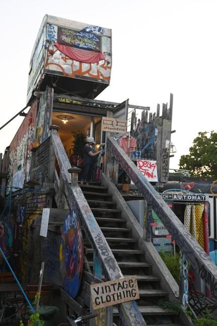 Isarvorstadt: Für ihren Container-Laden im Schlachthofviertel musste Francesca Pellegrini seit der Eröffnung Anfang Juli bereits Nachschub holen.