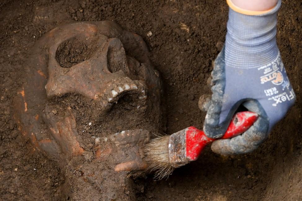 Archäologische Arbeiten auf der Königspfalz Helfta
