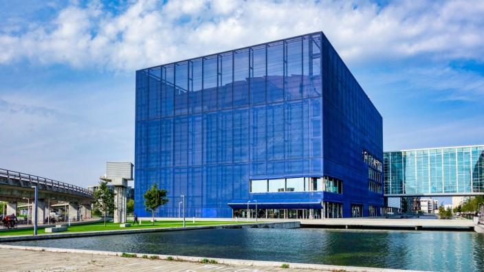 Missbrauchsskandal in Dänemark: Die Fassade des neuen Konzerthauses des DR in Ørestad wirkt transparent - im Sender herrschte aber lange eine Unkultur der Vertuschung.