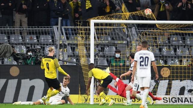 27.08.2021, xmeix, 1.Fussball Bundesliga, Borussia Dortmund - TSG 1899 Hoffenheim, emspor. v.l.n.r, Erling Haaland (Bor