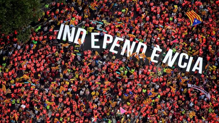 Katalonien-Konflikt: Klare Forderung - gegen die Verfassung und ohne Erfolg: Demonstration in Barcelona im September 2018.