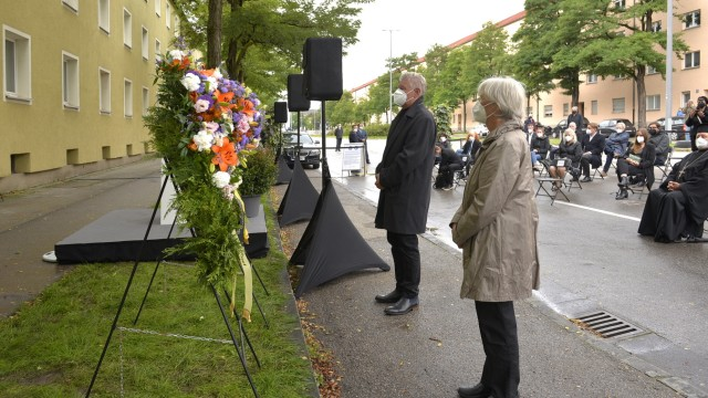 Gedenken an NSU-Opfer: Anni Kammmerlander von Before und Oberbürgermeister Dieter Reiter bei der Gedenkveranstaltung