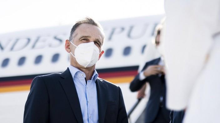 Bundesaussenminister Heiko Maas, SPD, aufgenommen bei der Ankunft am Flughafen Antalya, im Rahmen der Zentralasienreise.
