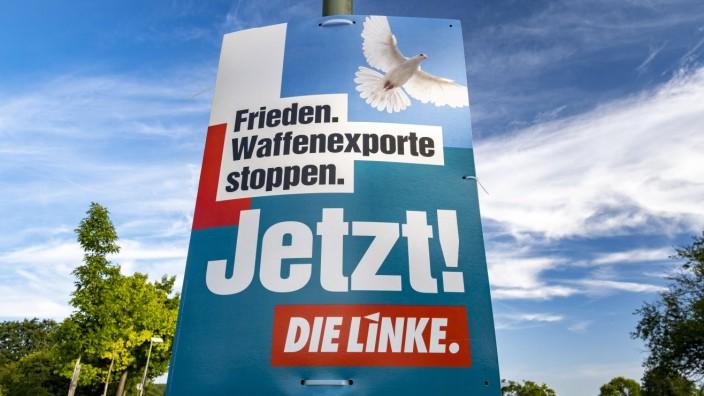 Wahlplakat Wahlplakat von Die Linke zur Bundestagswahl im September 2021, 25.08.2021, Offenbach am Main Hessen Deutschla