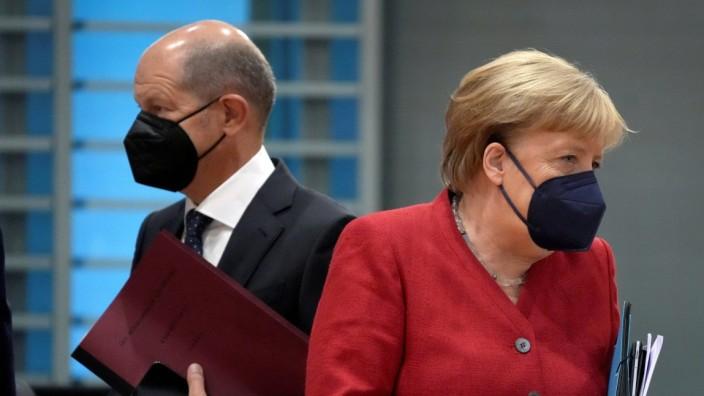 FILE PHOTO: German Chancellor Merkel attends weekly cabinet meeting in Berlin