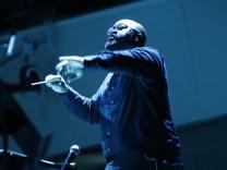 """""""A House of Call"""" beim Musikfest Berlin: Das Röhren des leisen Rebells"""