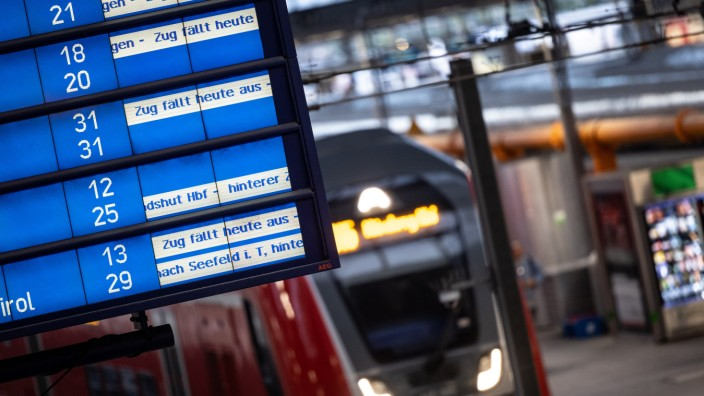 Umstieg, Ersatz, Storno: Das können Bahnreisende einfordern