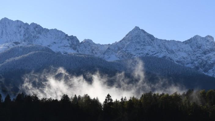 Morgennebel am Karwendelgebirge