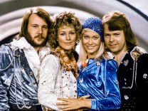 FILE PHOTO: Swedish pop group Abba: Benny Andersson, Anni-Frid Lyngstad, Agnetha Faltskog and Bjorn Ulvaeus pose after winning the Swedish branch of the Eurovision Song Contest with their song 'Waterloo\