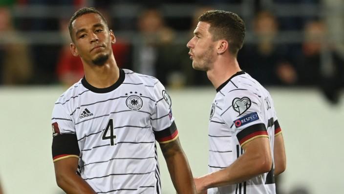 DFB-Team: Thilo Kehrer und Robin Gosens während des Spiels gegen Liechtenstein.