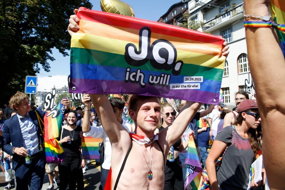 Foto Manuel Geisser 04.09.2021 Zürich : Zürich Pride Demonstration unter dem Motto Trau Dich . Im Bild: Pride Umzug Stad