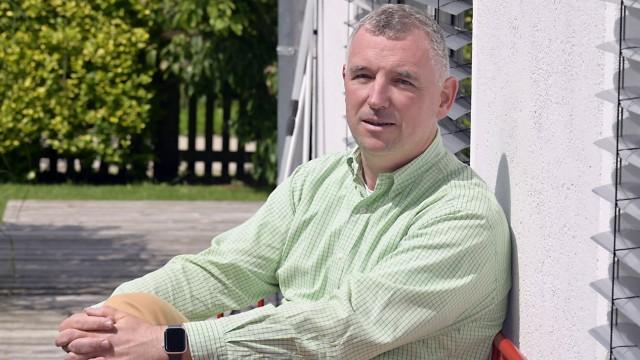 Oberhaching: Axel Schmidt, 53, arbeitet für den Chemiekonzern Wacker und ist weit herumgekommen in der Welt. Seit vier Jahren wohnt er wieder in Oberhaching.