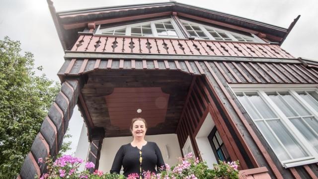 """""""Schwarze Gans"""" in Tutzing: Stefanie Knittls Familie gehört das Gebäude."""