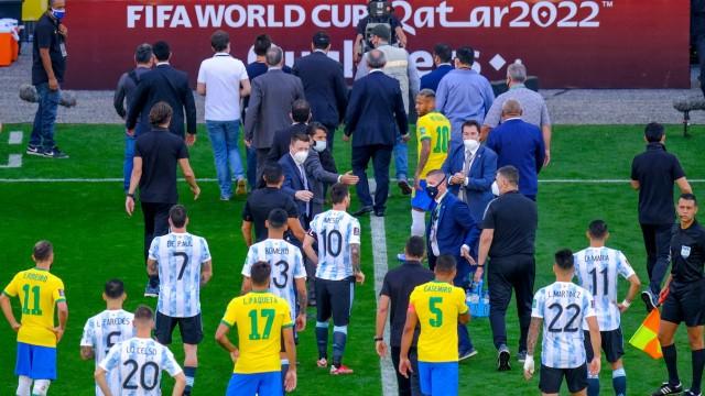 Fußball, WM Quali, Brasilien - Argentinien, Gesundheitsbehörde sorgt wegen Corona für Spielabbruch (210906) -- SAO PAULO