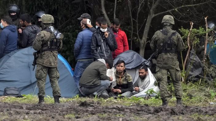 Polen: Das Schicksal der afghanischen Flüchtlinge im Osten Polens ist derzeit unklar, Journalisten und Helfer werden nicht mehr vorgelassen.