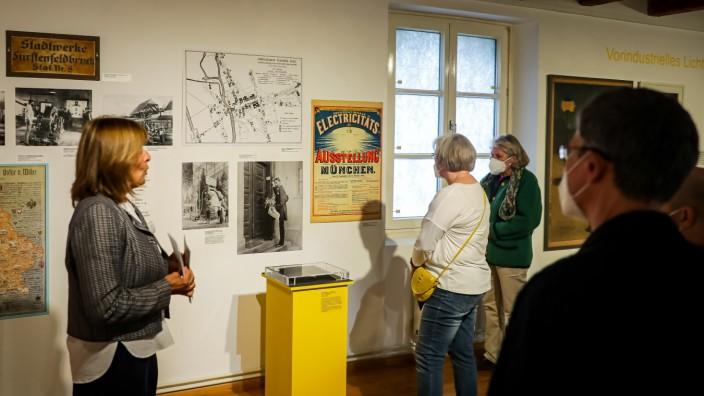 FÜRSTENFELDBRUCK: Führung durch die Ausstellung Erleuchtet: Faszination elektrisches Licht