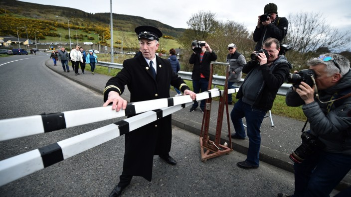 Kommen Wurst- und Fleischwaren weiterhin nach Nordirland? Ein Grenzübergang in Newry.