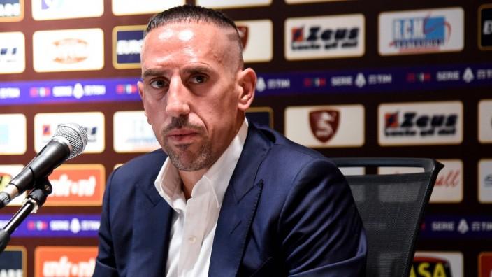 Franck Ribery Signs With Salernitana Franck Ribery looks on during the press conference, PK, Pressekonferenz to introdu