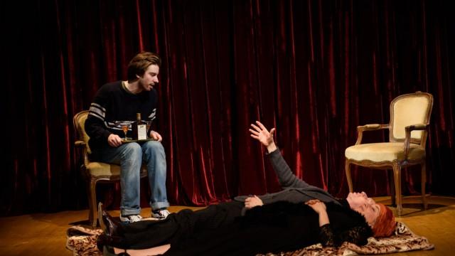 Theaterstück:  Ach diese Lücke, diese entsetzliche Lücke