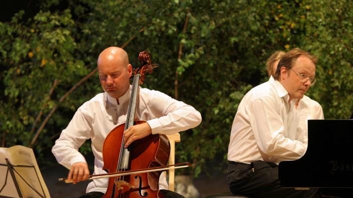 Nachruf: Sebastian Hess (links) im Duo mit Johannes Umbreit am Klavier bei den Holzhauser Musiktagen.