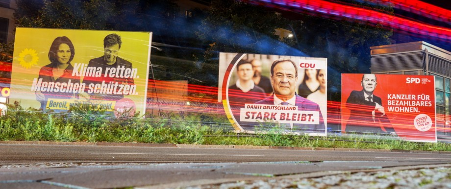 Bundestagswahl 2021: Wahlplakate mit Baerbock, Laschet und Scholz