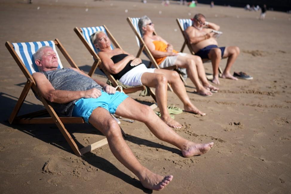*** BESTPIX *** The UK Enjoys Late Summer Heatwave