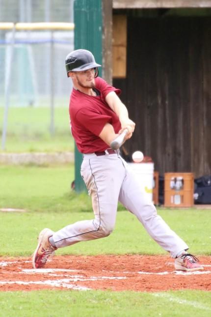 Spitzensport in Vaterstetten: Bei der Baseball-EM tritt Brian Fürböck gegen seinen Teamkollegen an.