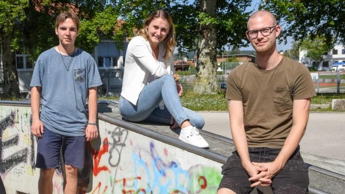 Die Zeit drängt: Chancen nutzen: Simon Vielreicher, Sabrina Lorenz und Jakob Arendt vom Geretsrieder Jugendrat (von links).