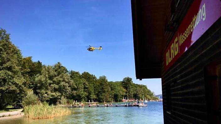 Starnberger See: Auch ein Hubschrauber ist vor Leoni im Einsatz.
