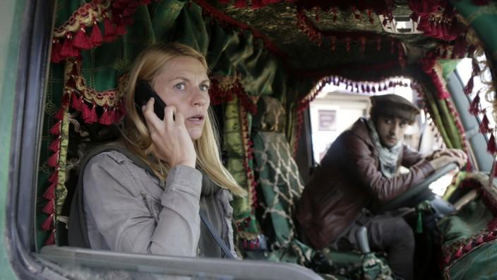 HOMELAND 2020 Serie TV developpee par Howard Gordon et Alex Gansa saison 8 episode 10 Claire Danes Mohammad Amiri. Sifed
