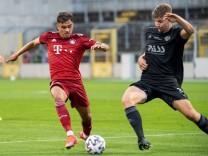 Oliver Batista-Meier 7 (FC Bayern II), Niklas Borger 38 (Viktoria Aschaffenburg), FC Bayern II vs. Viktoria Aschaffenbu