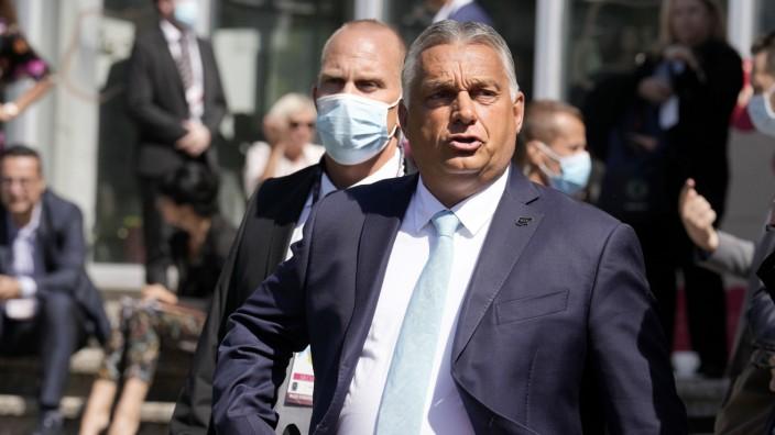 Zustand der EU: Der ungarische Ministerpräsident Viktor Orbán diskriminiert Homosexuelle und verstößt damit gegen die Werte der Europäischen Union.