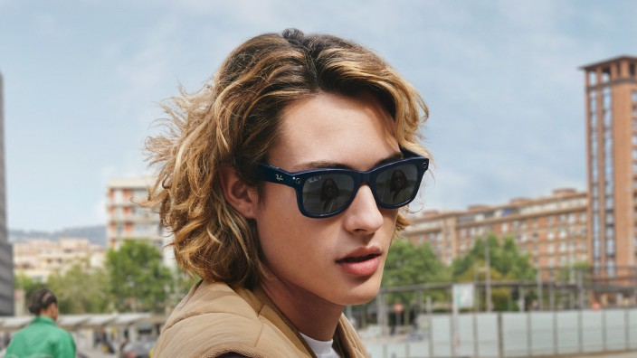 Brille Ray-Ban and Facebook