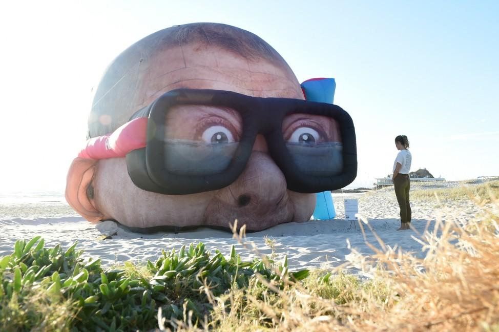 ***BESTPIX*** Queenslanders Enjoy 2021 Swell Sculpture Festival
