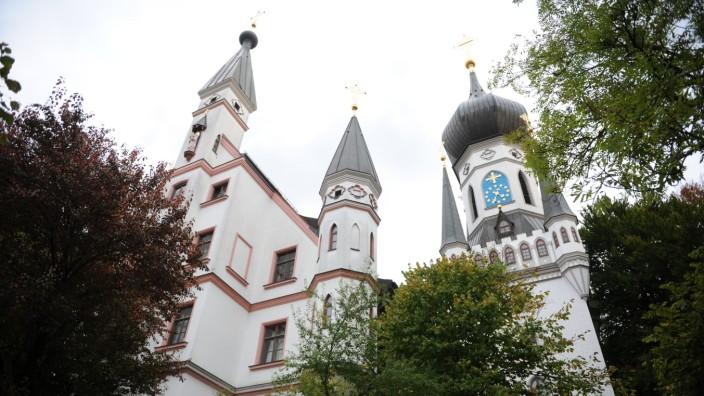 In einem schlossähnlichen Anwesen am Auer Mühlbach in Untergiesing residiert der Templerorden in München.