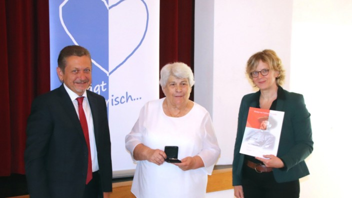Auszeichnung von Iris Habermann mit der Georg-von-Vollmar-Medaille