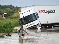 Südfrankreich: Unwetter führt zu Chaos auf Straßen und Bahnstrecken