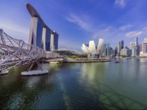 Singapore, Marina Bay areal with Marina Bay Hotel and financial district in the background