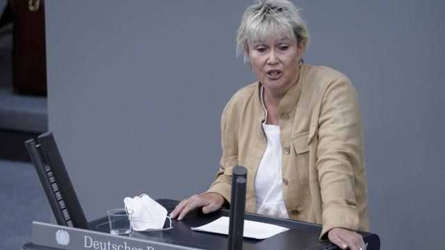 238. Bundestagssitzung und Debatte Aktuell, 25.08.2021, Berlin, Gabriela Heinrich im Portrait bei ihrer Rede Aussprache