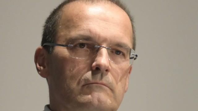 Taufkirchen: Vom Gericht gebeten oder doch eher gedrängt? Taufkirchens Zweiter Bürgermeister Michael Lilienthal (Freie Wähler) will vorerst jedenfalls keine Fakten schaffen.