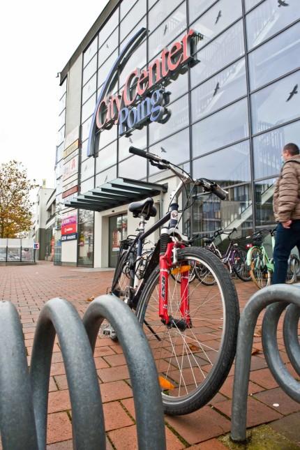 Wohnen in Poing: Bisher gab es keine klaren Vorgaben, wie viele Parkplätze für Radler nötig sind. Das ändert sich jetzt.