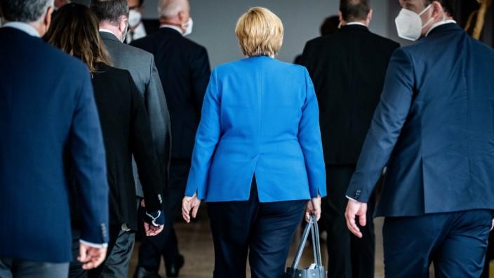 EU: Angela Merkel mit Kolleginnen und Kollegen der Europäischen Volkspartei (EVP).