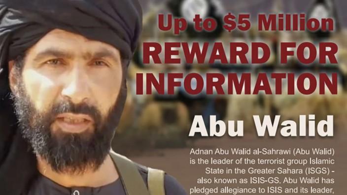 Fünf Millionen Dollar waren für Hinweise zu seiner Ergreifung ausgesetzt: Adnan Abu Walid al-Sahrawi, hier auf einem Fahndungsplakat, führte einen IS-Ableger in der Sahel-Region.