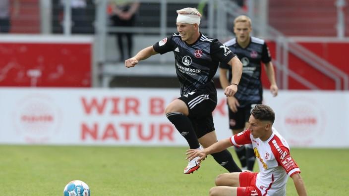 12.09.2021 - Fussball - Saison 2021 2022 - 2. Fussball - Bundesliga - 06. Spieltag: SSV Jahn Regensburg- 1. FC Nürnberg