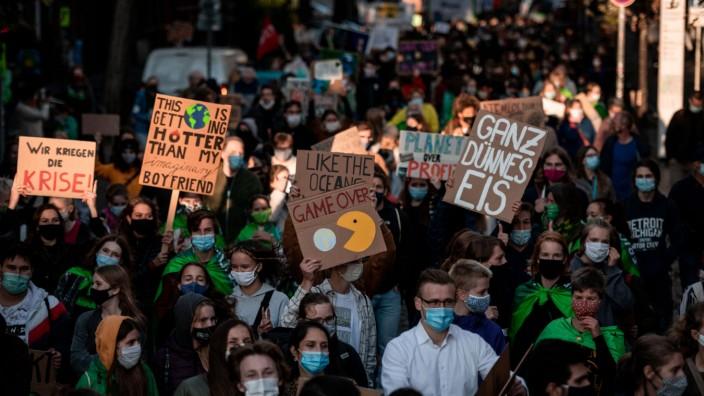 Fridays For Future ruft zu Warnstreik mit Luisa Neubauer auf
