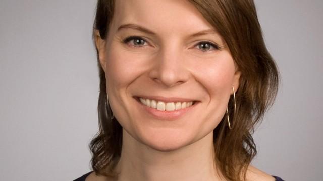"""Wer nicht studiert hat, bringe """"Bodenständigkeit und Praxisnähe"""" ins Parlament, sagt Gesundheits- und Krankenpflegerin und Bundestagsabgeordnete Emmi Zeulner (CSU)."""