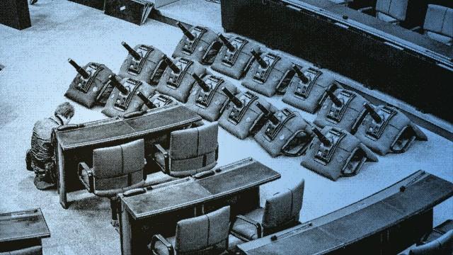 Plenarsaal des Bundestages wird für die 18. Wahlperiode umgebaut