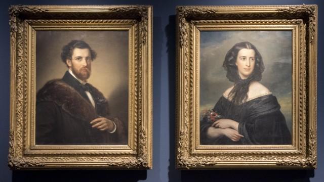 Ausstellung: Angelo Knorr und dessen Frau Betty ließen sich in adeliger Pose festhalten. Repro: Arlet Ulfers